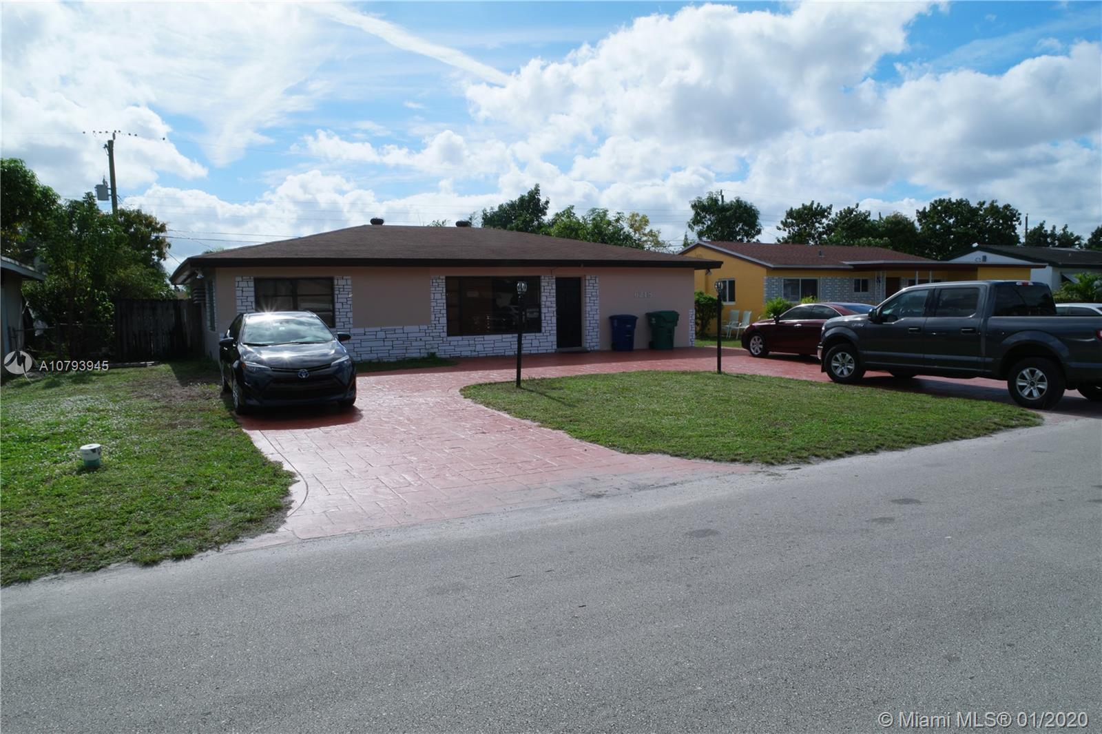 6218 SW 19th St  For Sale A10793945, FL