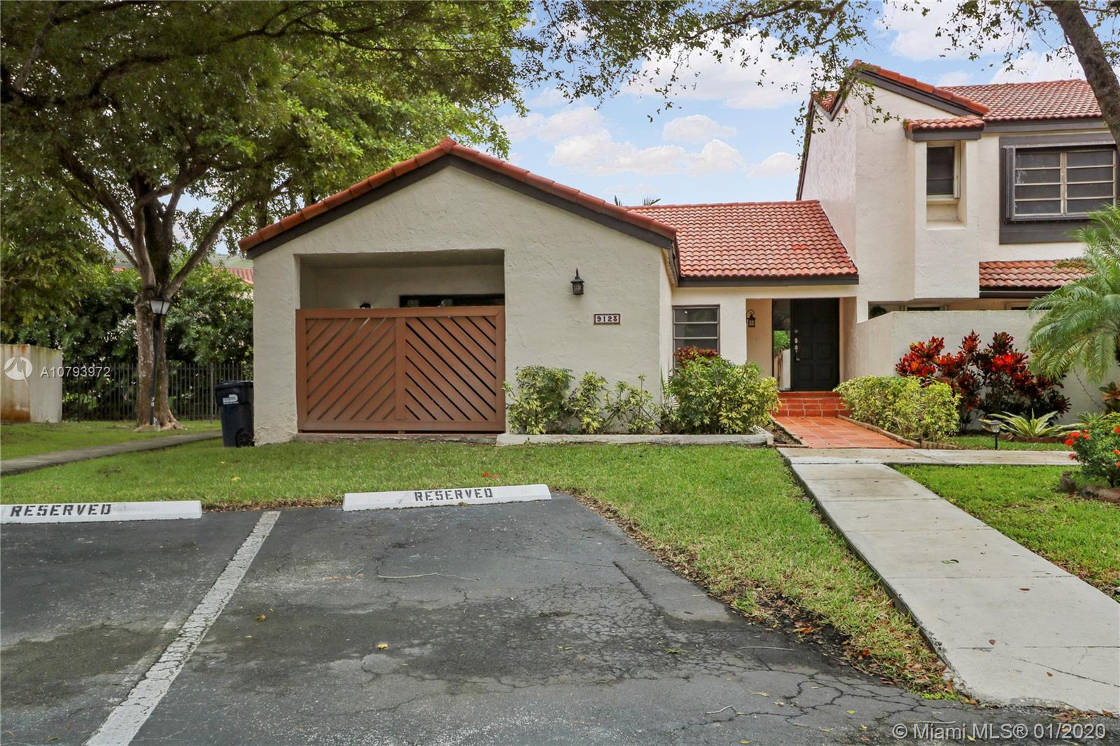 9123 SW 123rd Ave Ct  For Sale A10793972, FL