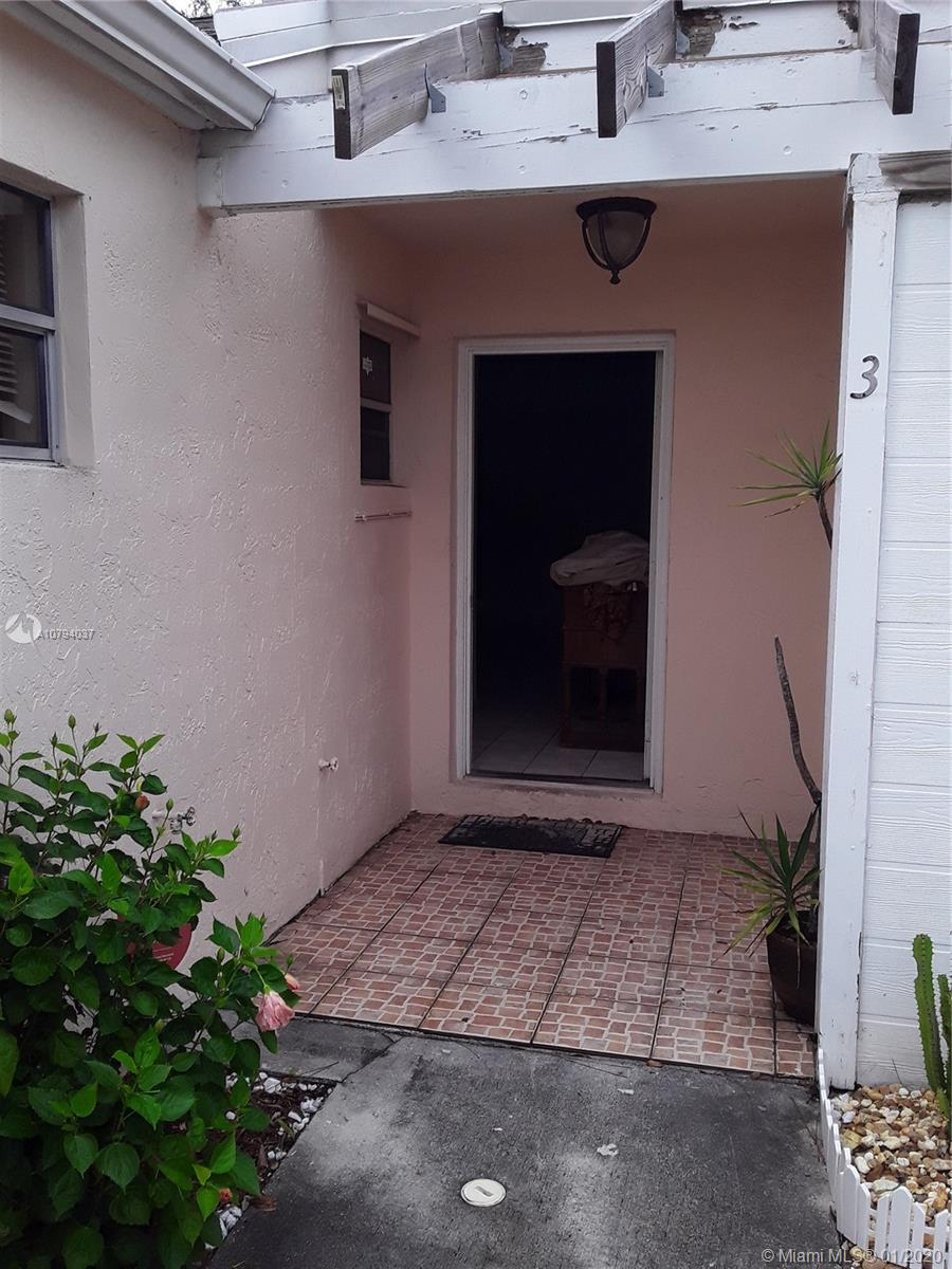 879 NE 214 Lane #3 For Sale A10794037, FL