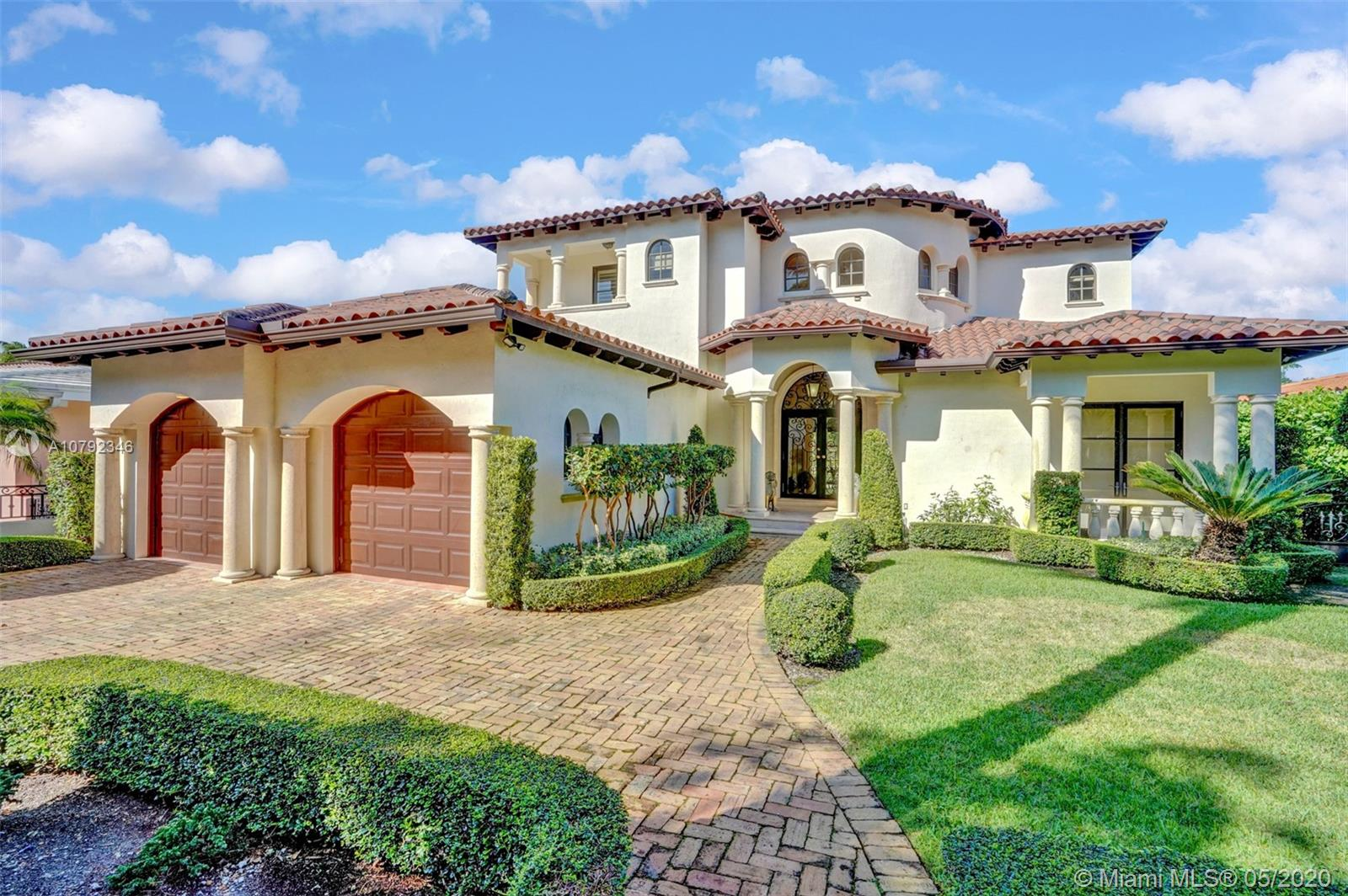 5320  Riviera Dr  For Sale A10792346, FL