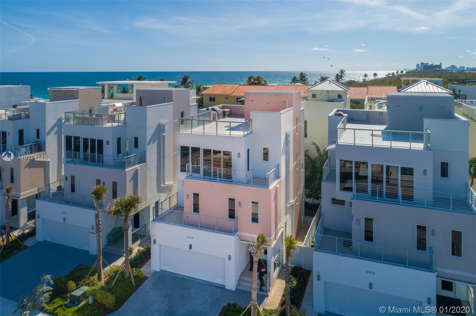 306  Elm St  For Sale A10794145, FL