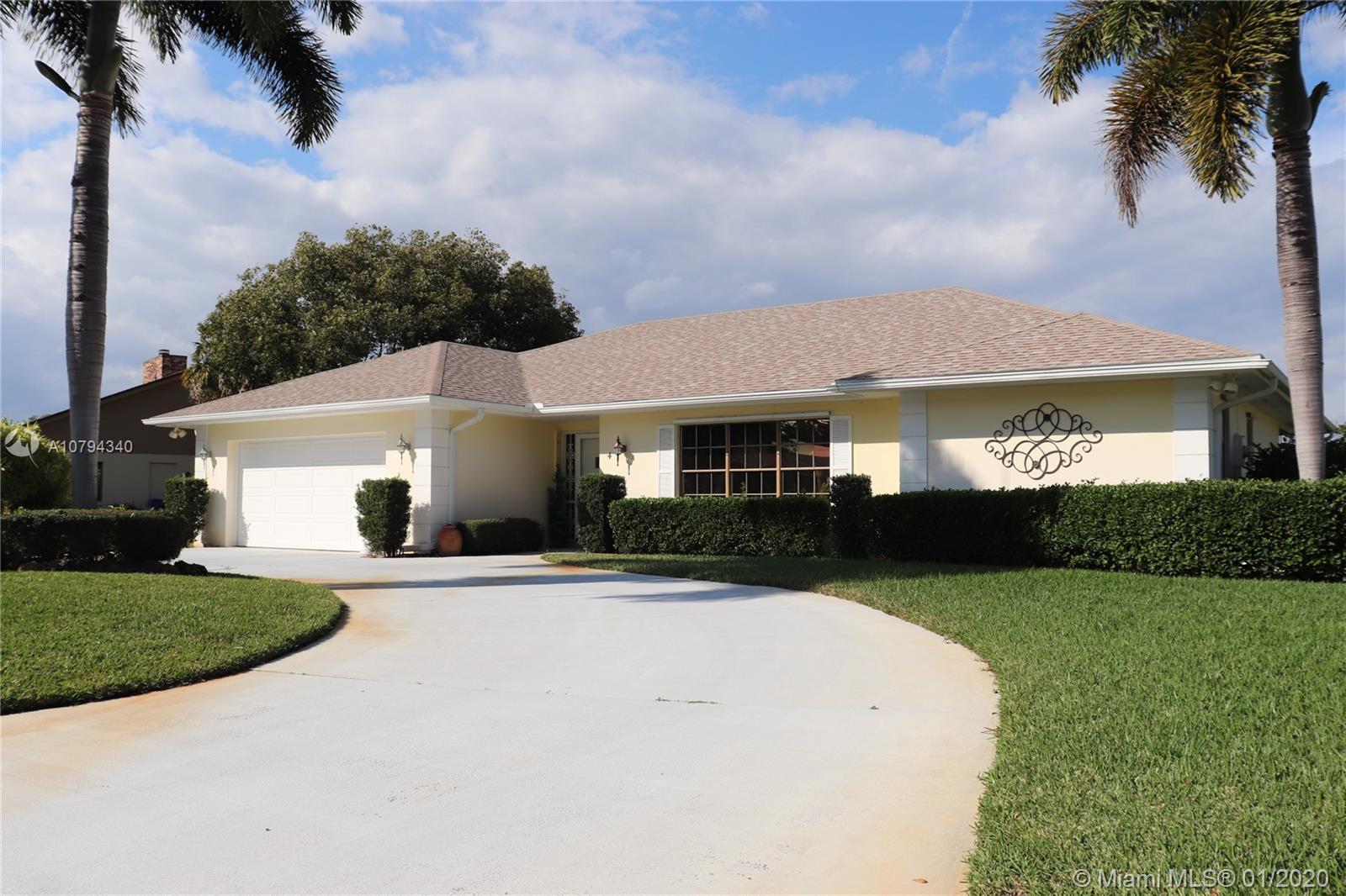 4 Forest Park Dr, Vero Beach, FL 32962