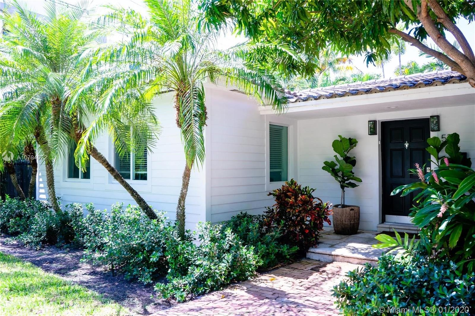 524  Woodcrest Rd  For Sale A10794572, FL