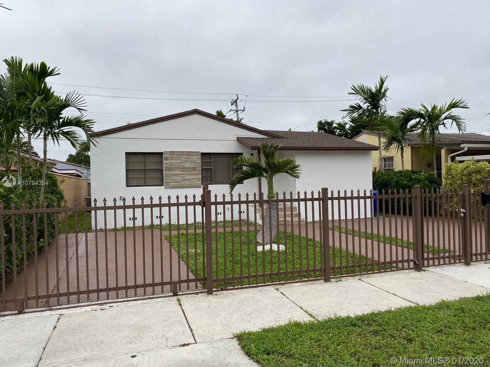 440 SW 49th Ave  For Sale A10794354, FL