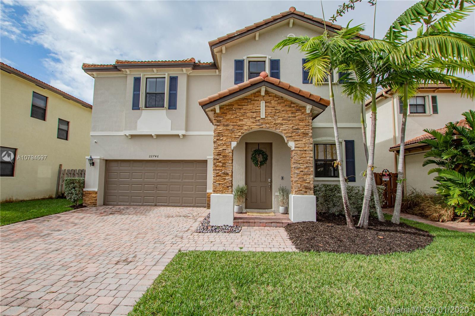 22746 SW 105th Ave  For Sale A10794597, FL