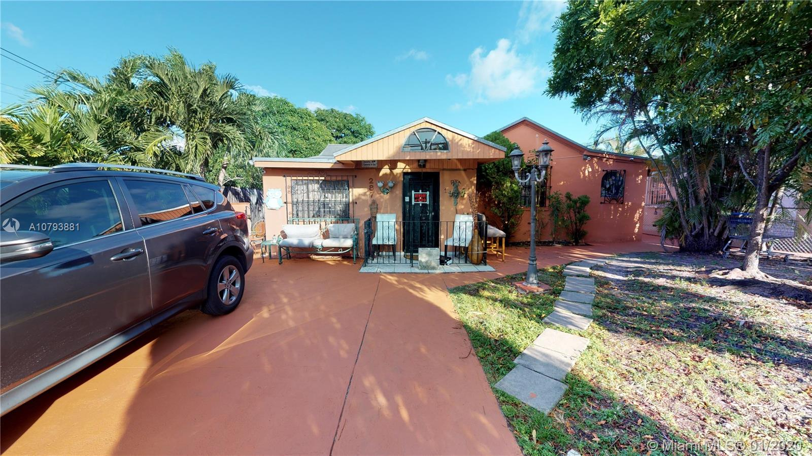 287 NW 44th Ave  For Sale A10793881, FL