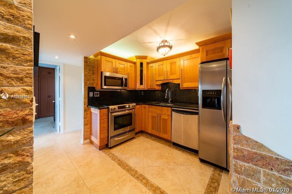 3304  Virginia St #6D For Sale A10794905, FL