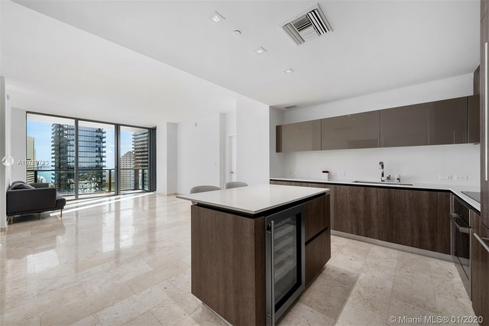 88 SW 7th St #2405 For Sale A10789783, FL