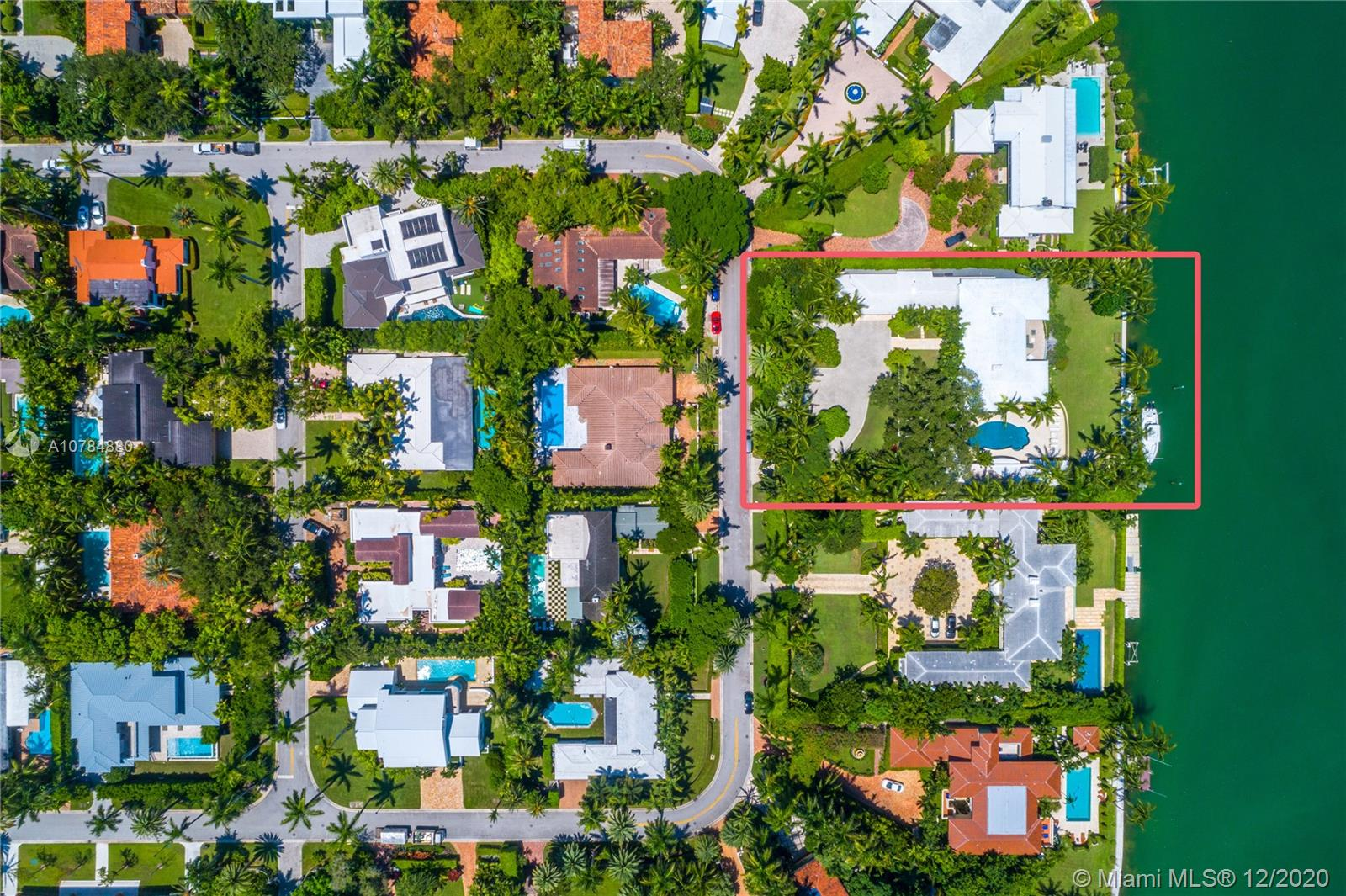 2555  Lake Ave  For Sale A10784880, FL