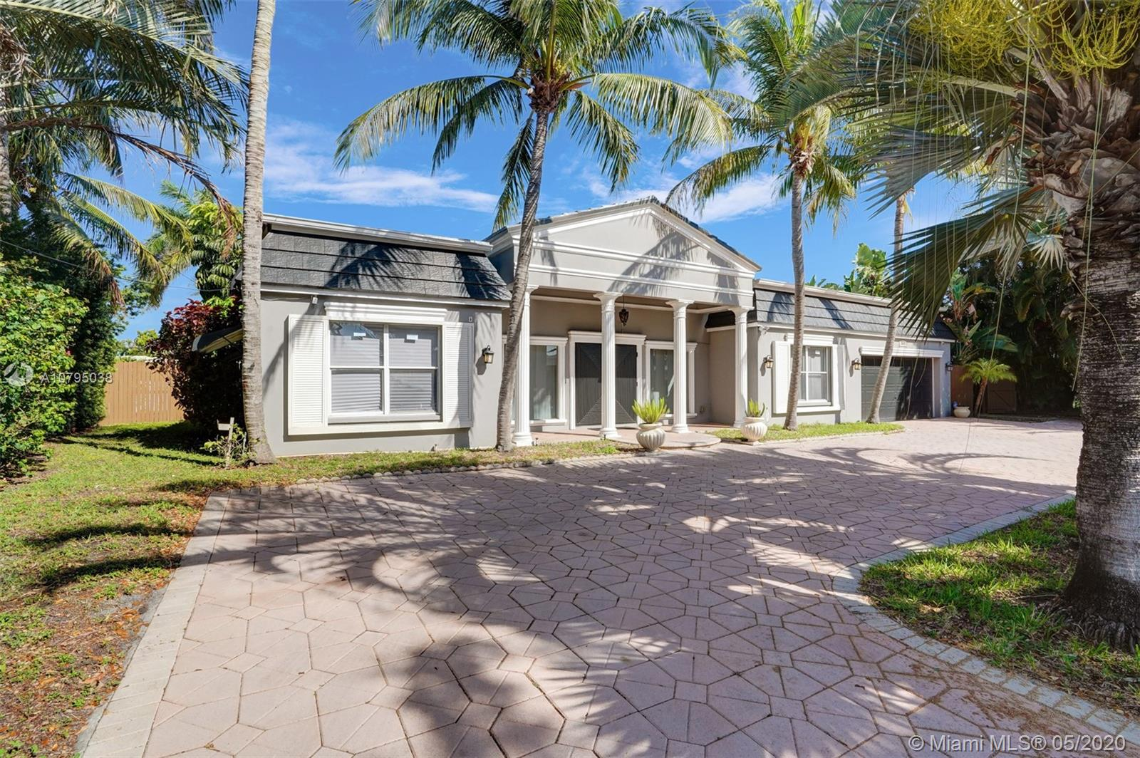 5541  Bayview Dr  For Sale A10795038, FL
