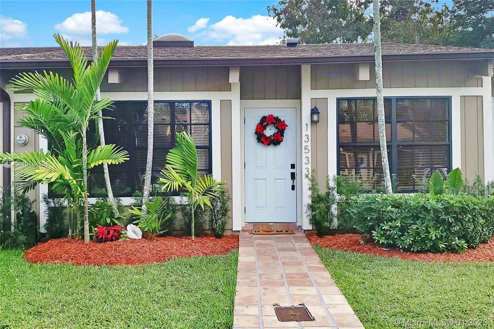 13533 SW 101st Ln  For Sale A10794965, FL
