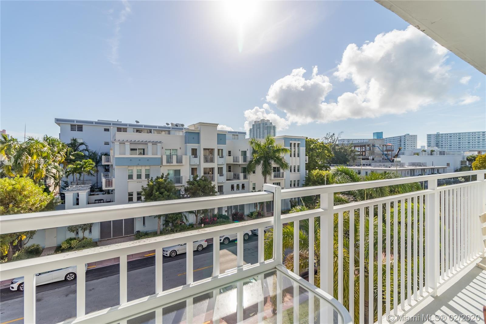1045  10th St #401 For Sale A10794892, FL