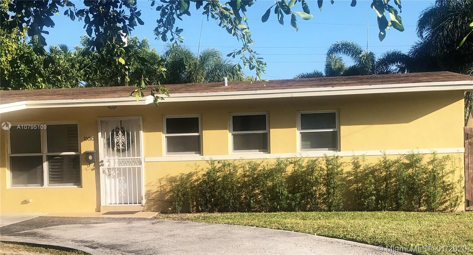 10010 SW 80th St  For Sale A10795109, FL