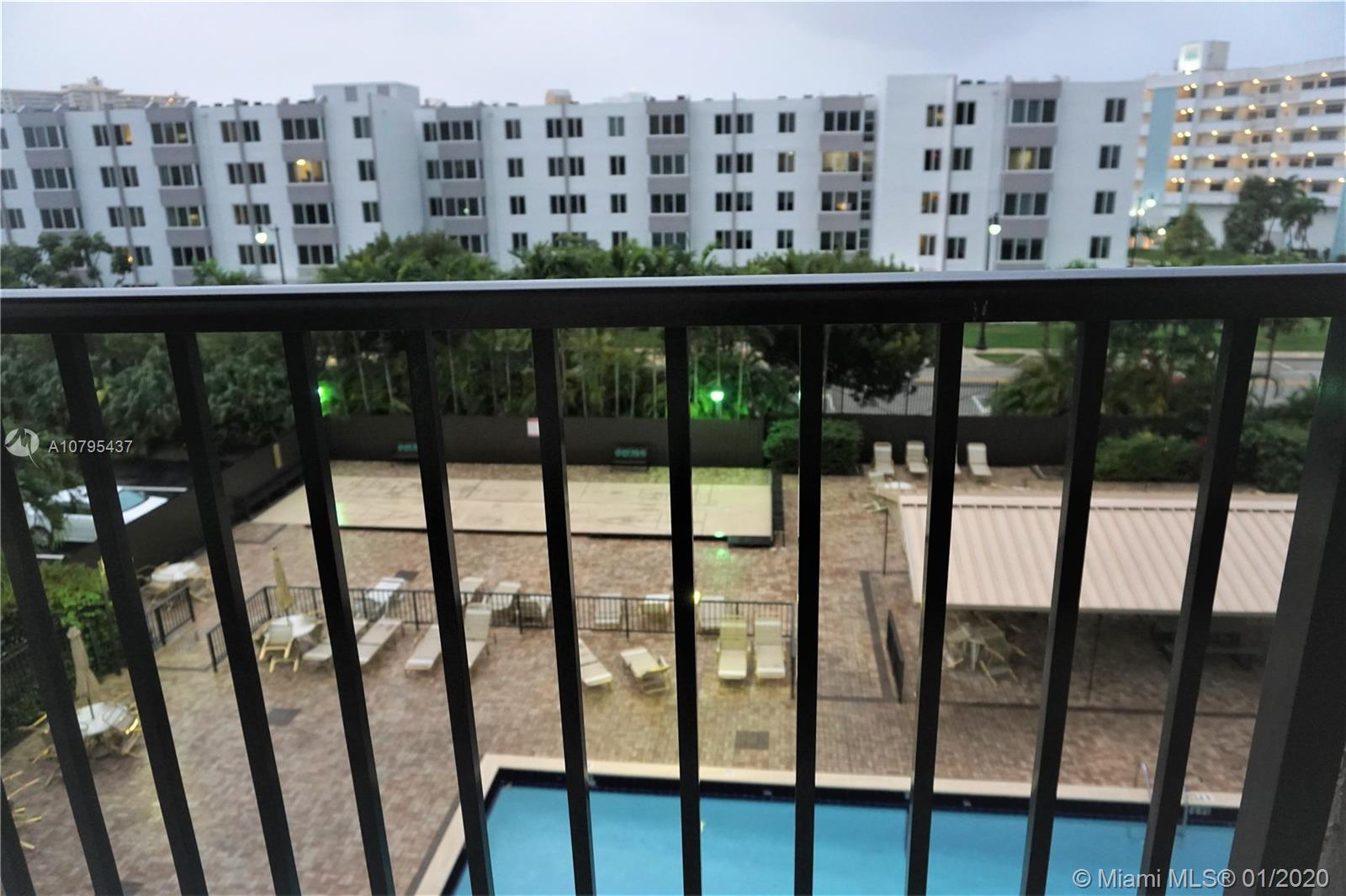 250  181st Dr #315 For Sale A10795437, FL