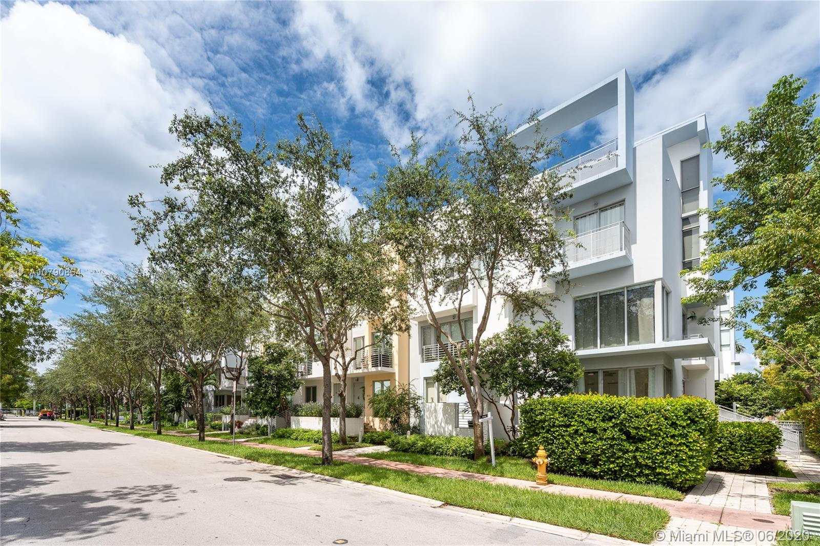 163 N Shore Dr #163-1 For Sale A10790864, FL