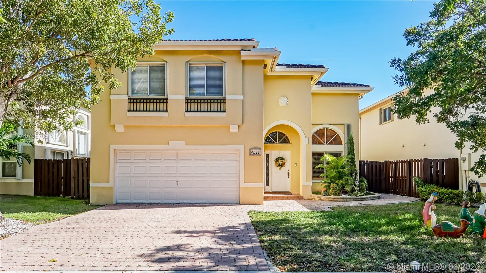 4617 NW 109th Ct  For Sale A10795709, FL