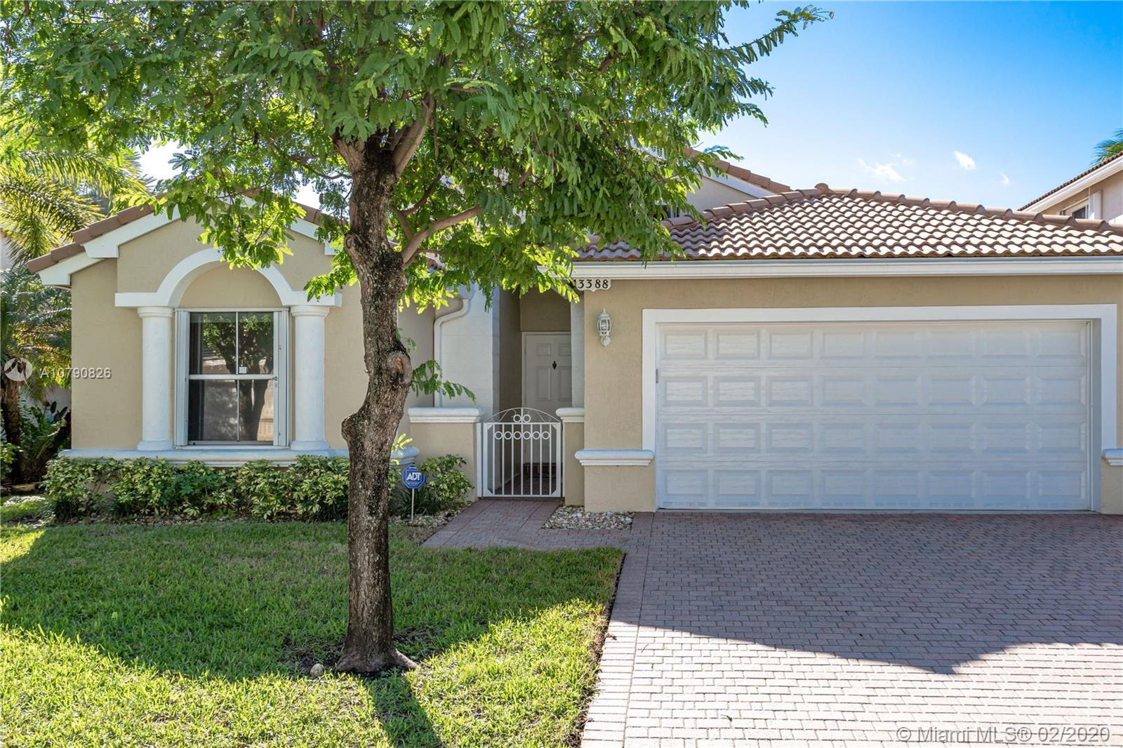 3388 SW 49th St  For Sale A10790826, FL