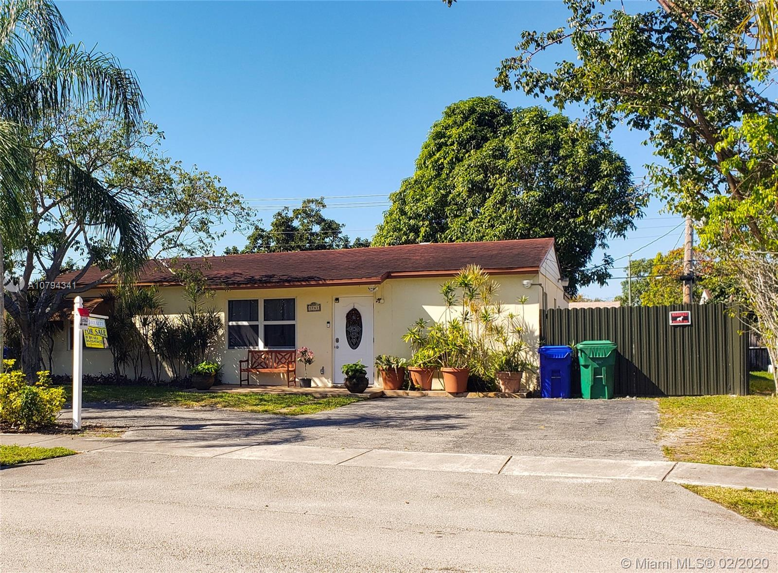 1741 SW 46th Ave  For Sale A10794341, FL