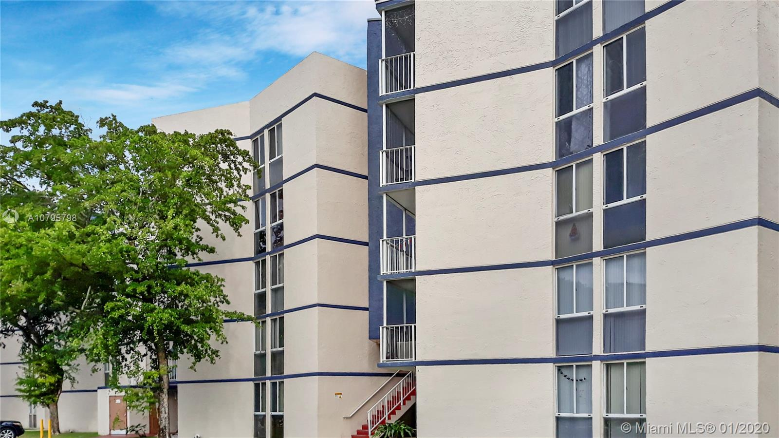 7075 NW 186th St #C308 For Sale A10795798, FL