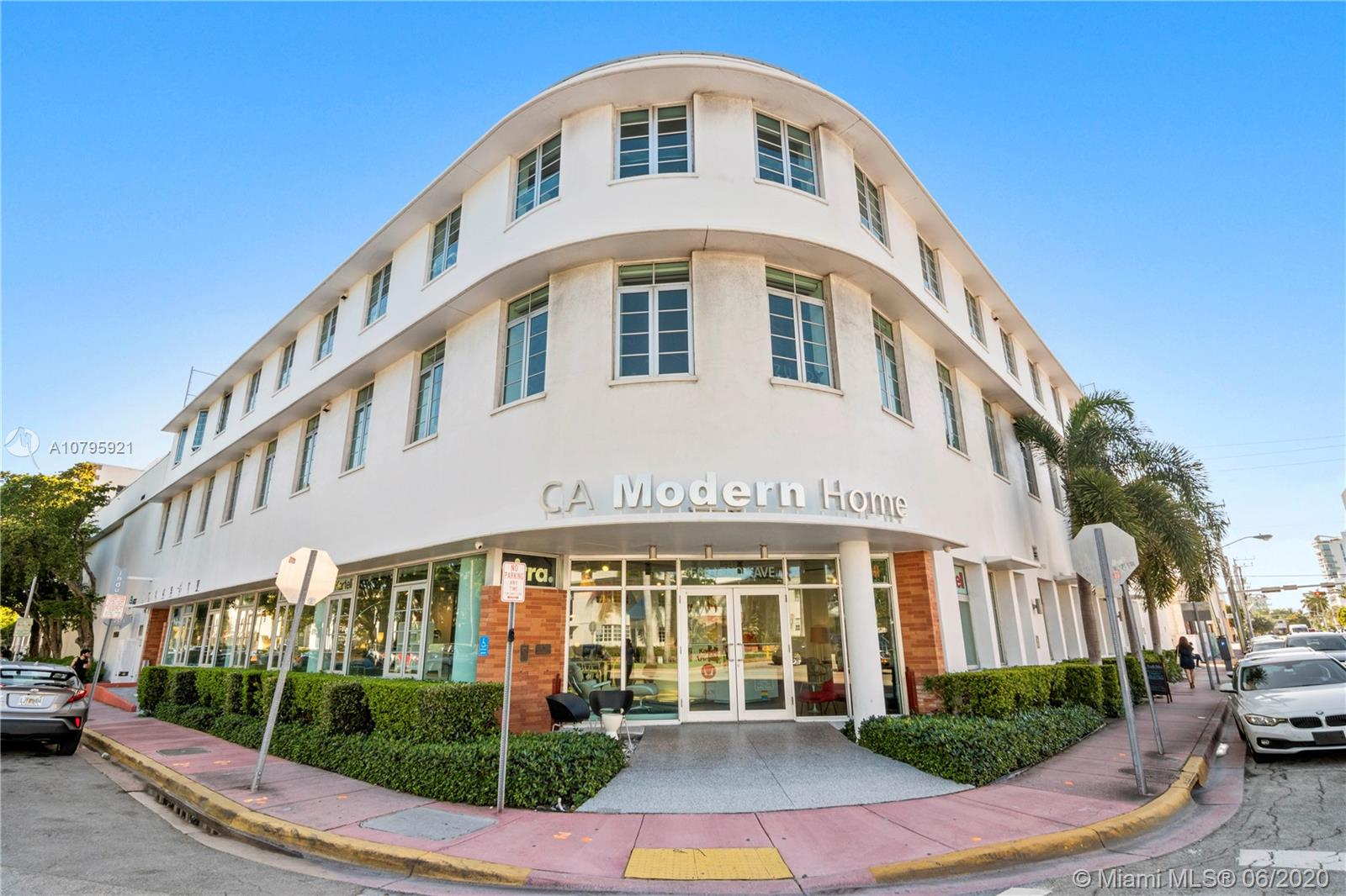 1560  Lenox Ave #202 For Sale A10795921, FL