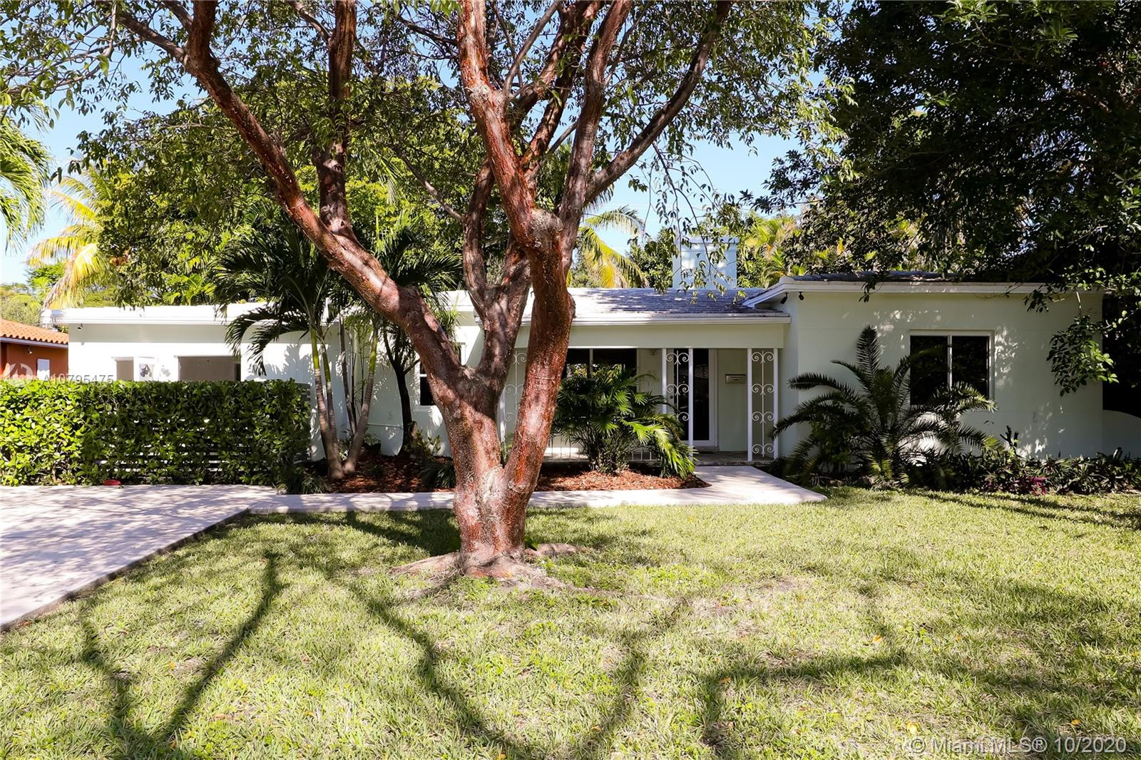 431 NE 52 St  For Sale A10795475, FL