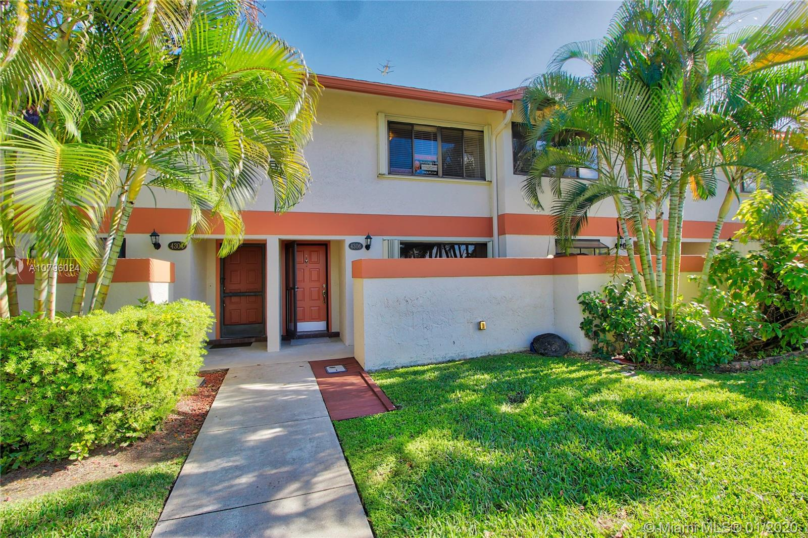 4306 SW 70th Ter  For Sale A10796024, FL