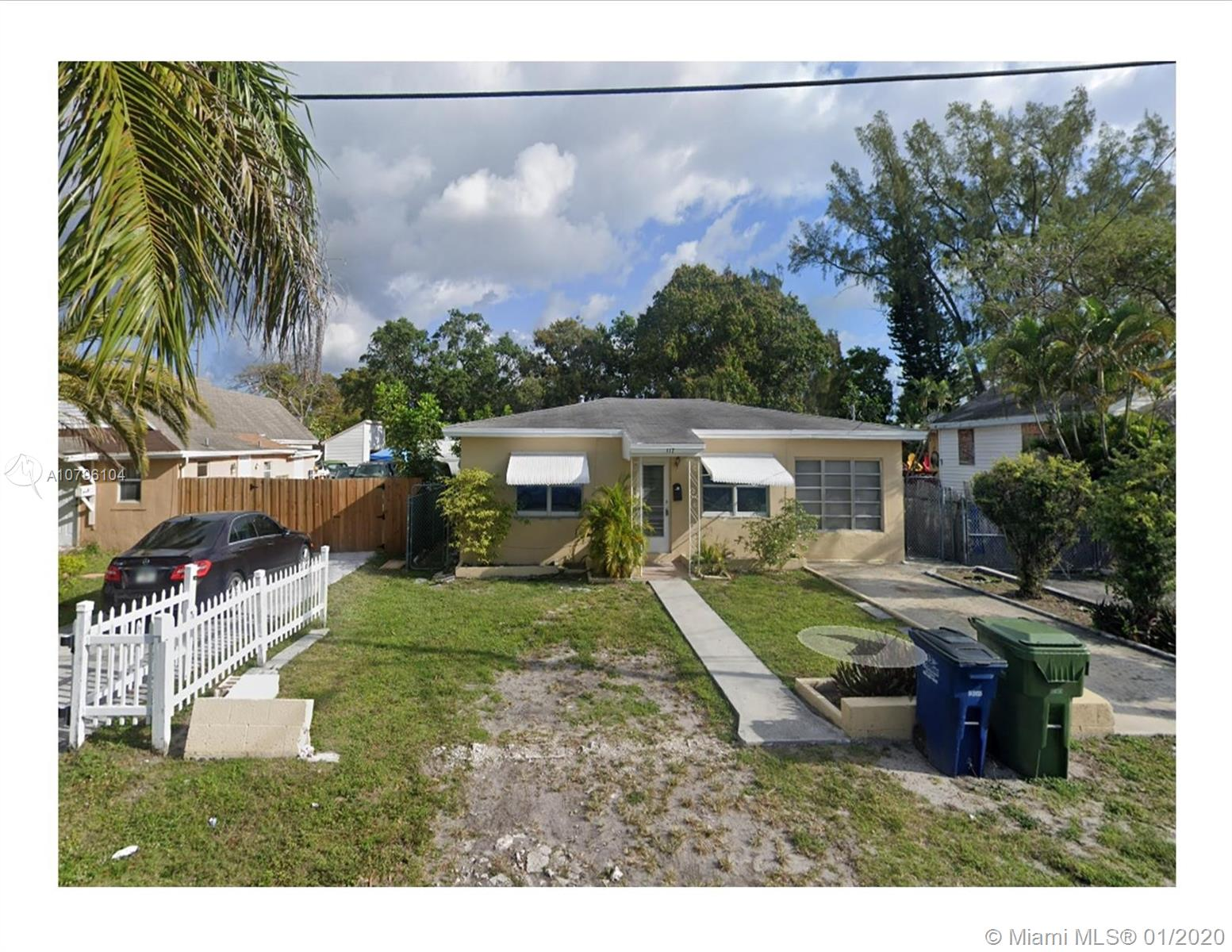 117 SE 4th St  For Sale A10796104, FL
