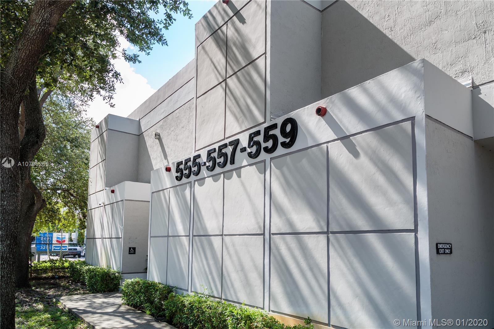 555 NW 95th St, Miami, FL 33150