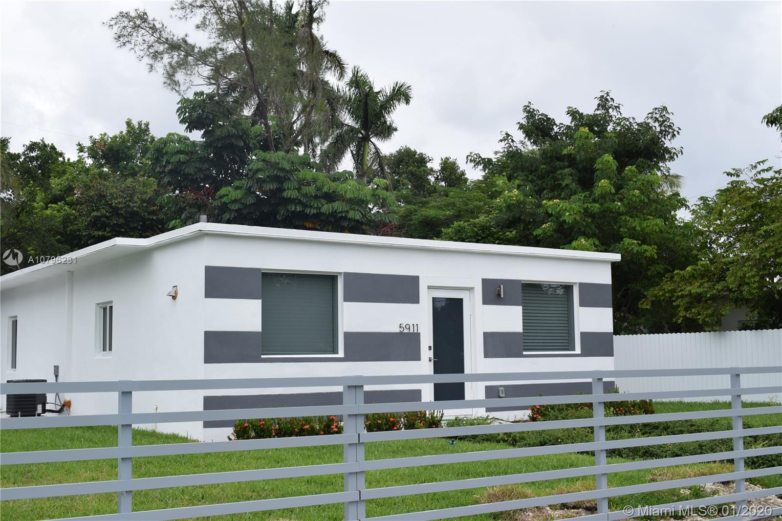 5911 SW 62nd Ter  For Sale A10796281, FL
