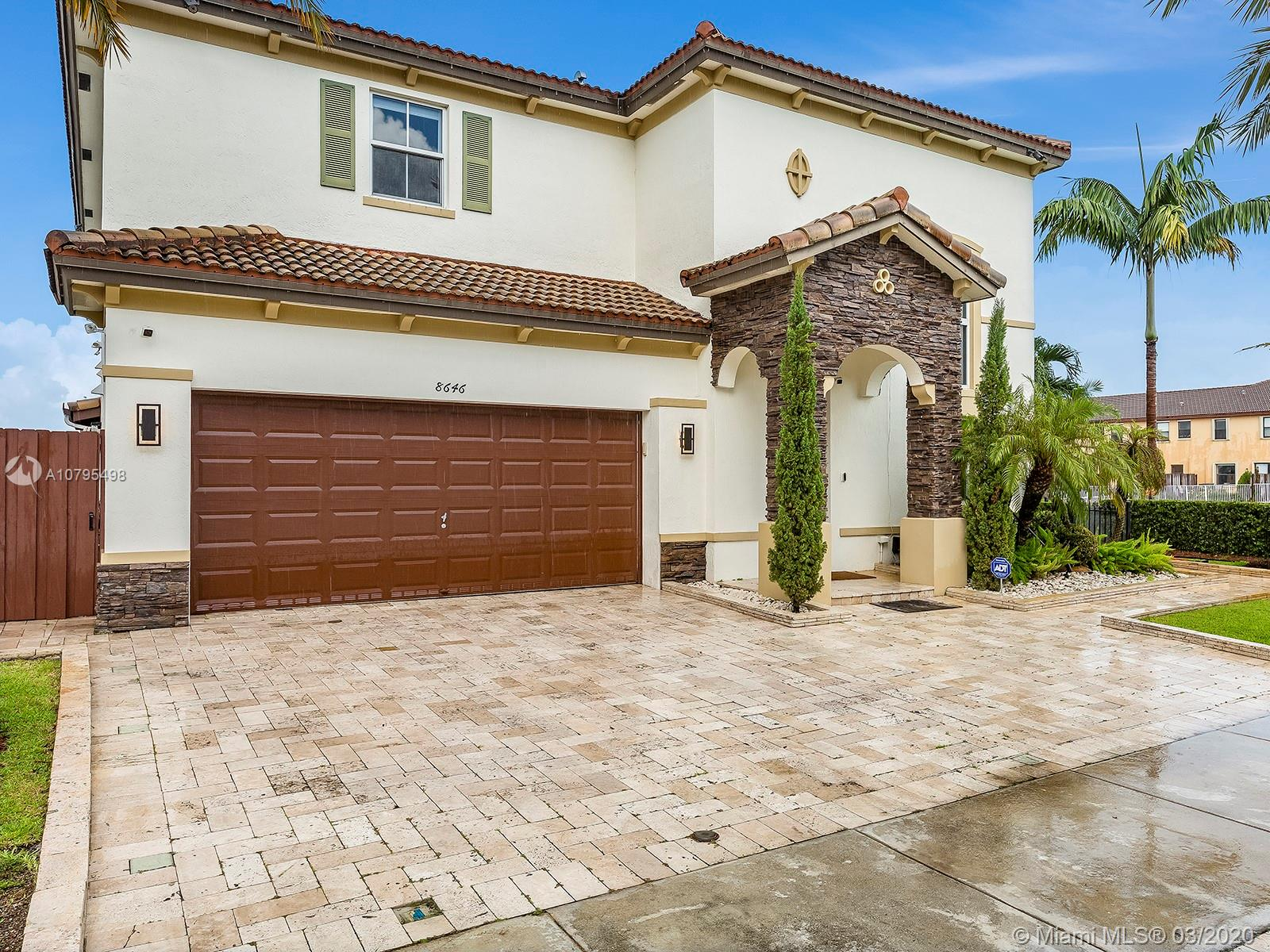 8646 NW 115th Pl  For Sale A10795498, FL