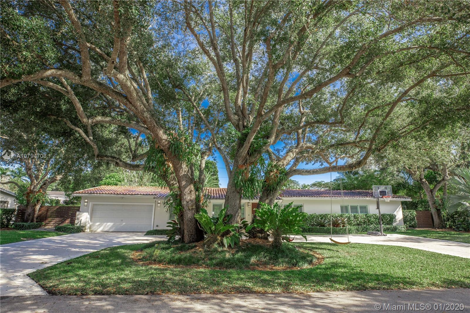 8625  SW 54th Ct  For Sale A10794708, FL