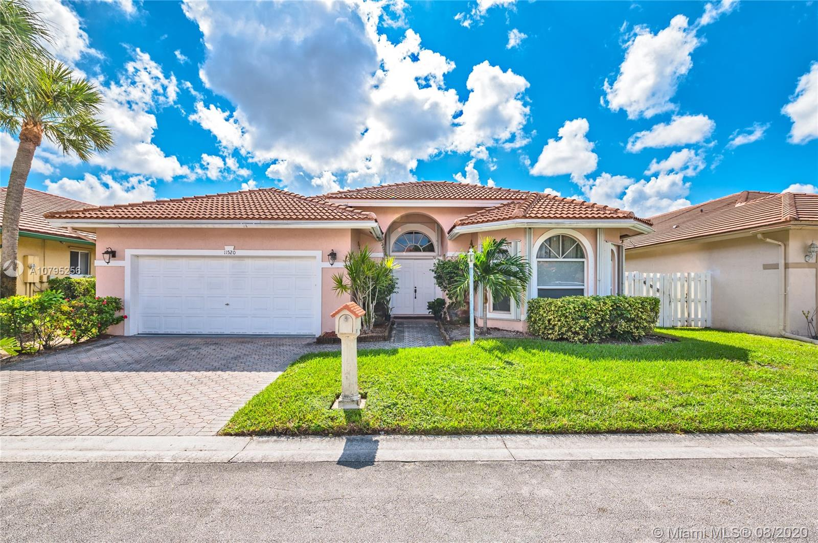 11520 SW 10th St, Pembroke Pines, FL 33025