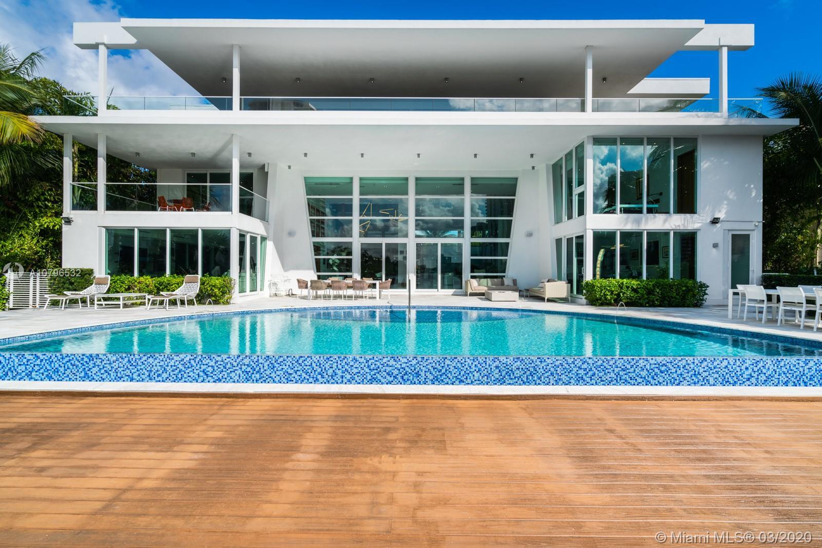 429 Center Island Dr, Golden Beach, FL 33160