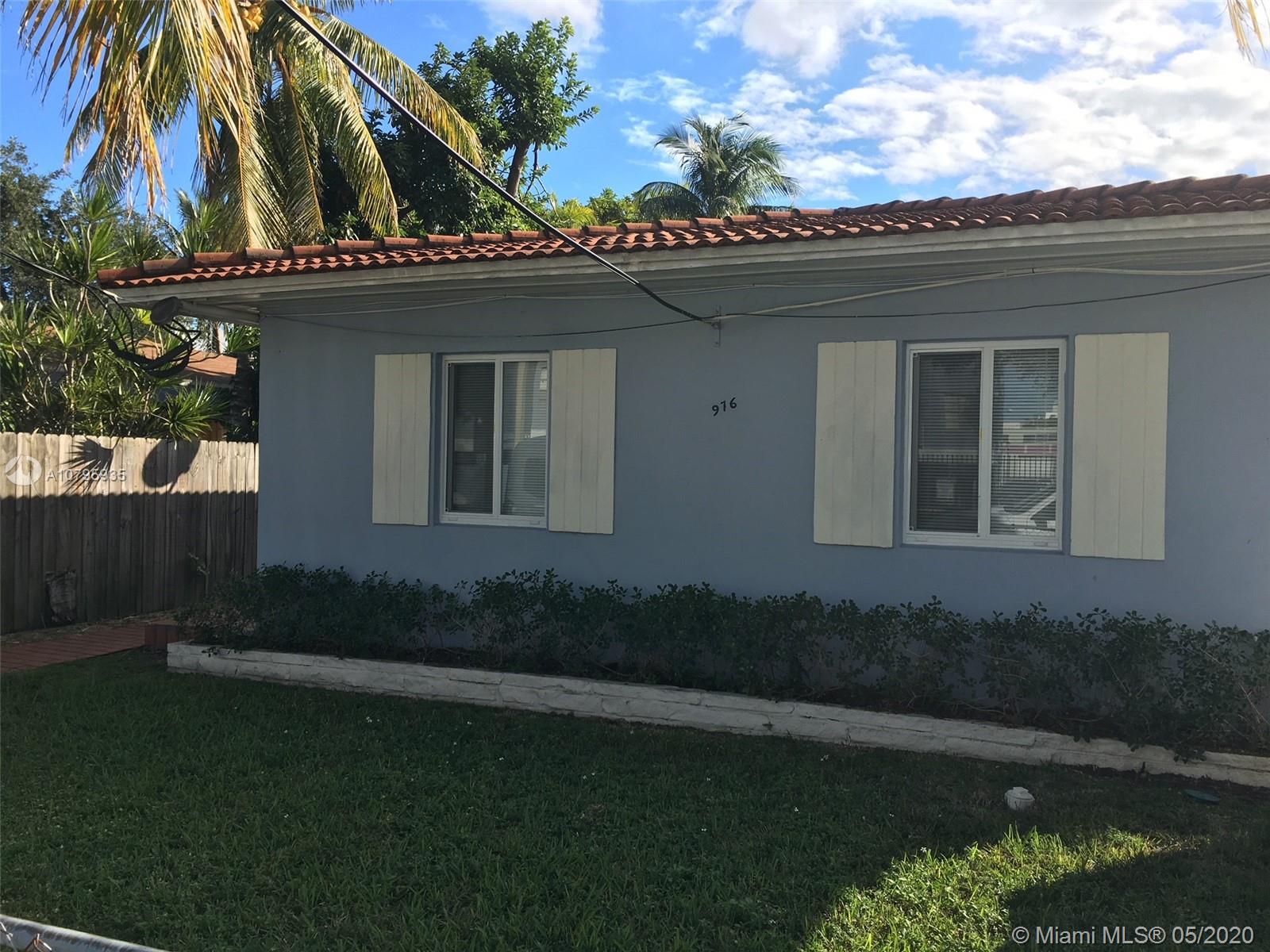 976 NW 6th St, Miami, FL 33136