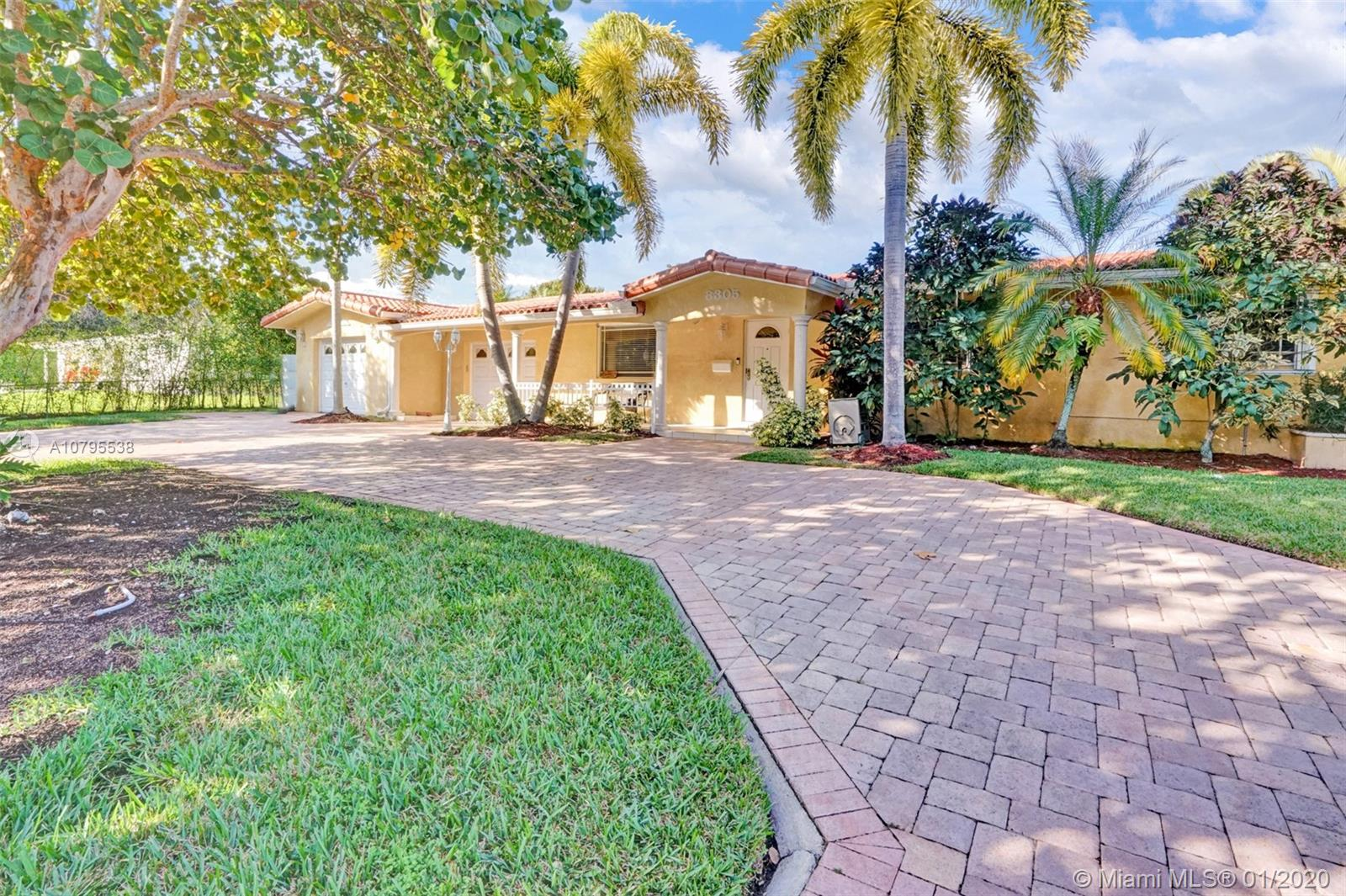 8305 SW 98th St  For Sale A10795538, FL