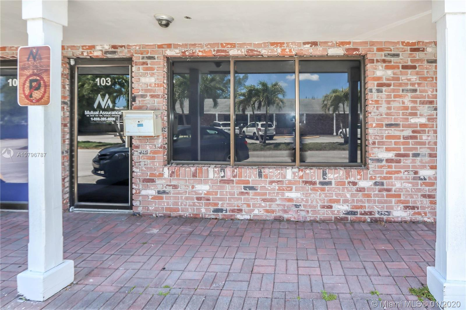 6570  Griffin Rd  For Sale A10796787, FL