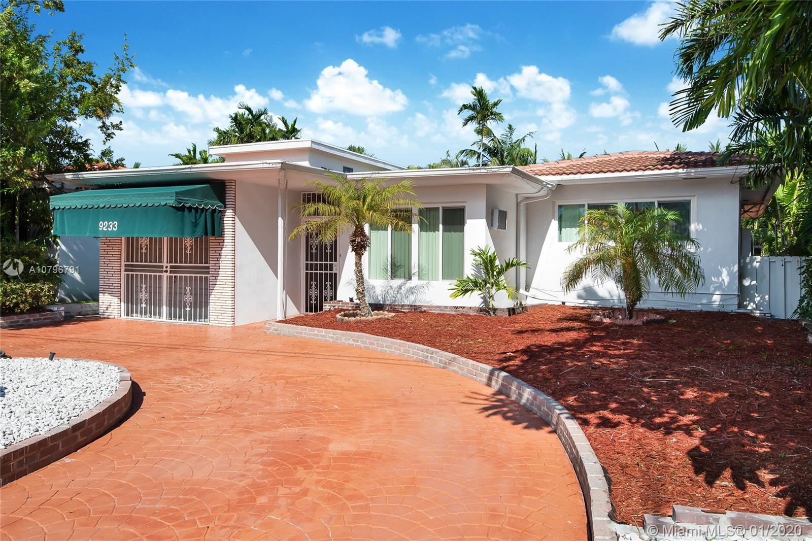 9233  Emerson Ave  For Sale A10796791, FL