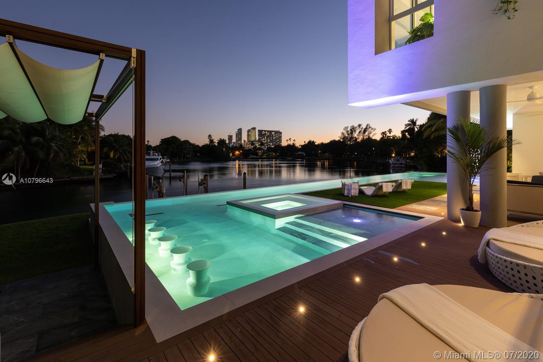 4731 Lake Rd, Miami, FL 33137