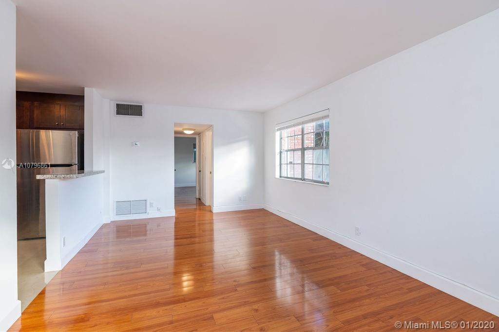 Beautiful 2/1 corner unit located in highly desirable Rio Vista located next to million dollars homes, close to downtown Las Olas, beach, airport, starbucks and new whole foods. Unit has been freshly painted, New AC installed in 2019 with warranty. Building has a new roof which was installed in 2017. Kitchen has been remodeled with stainless steel appliances and granite countertops. Bathroom has been remodeled recently, hurricane shutters for every window.