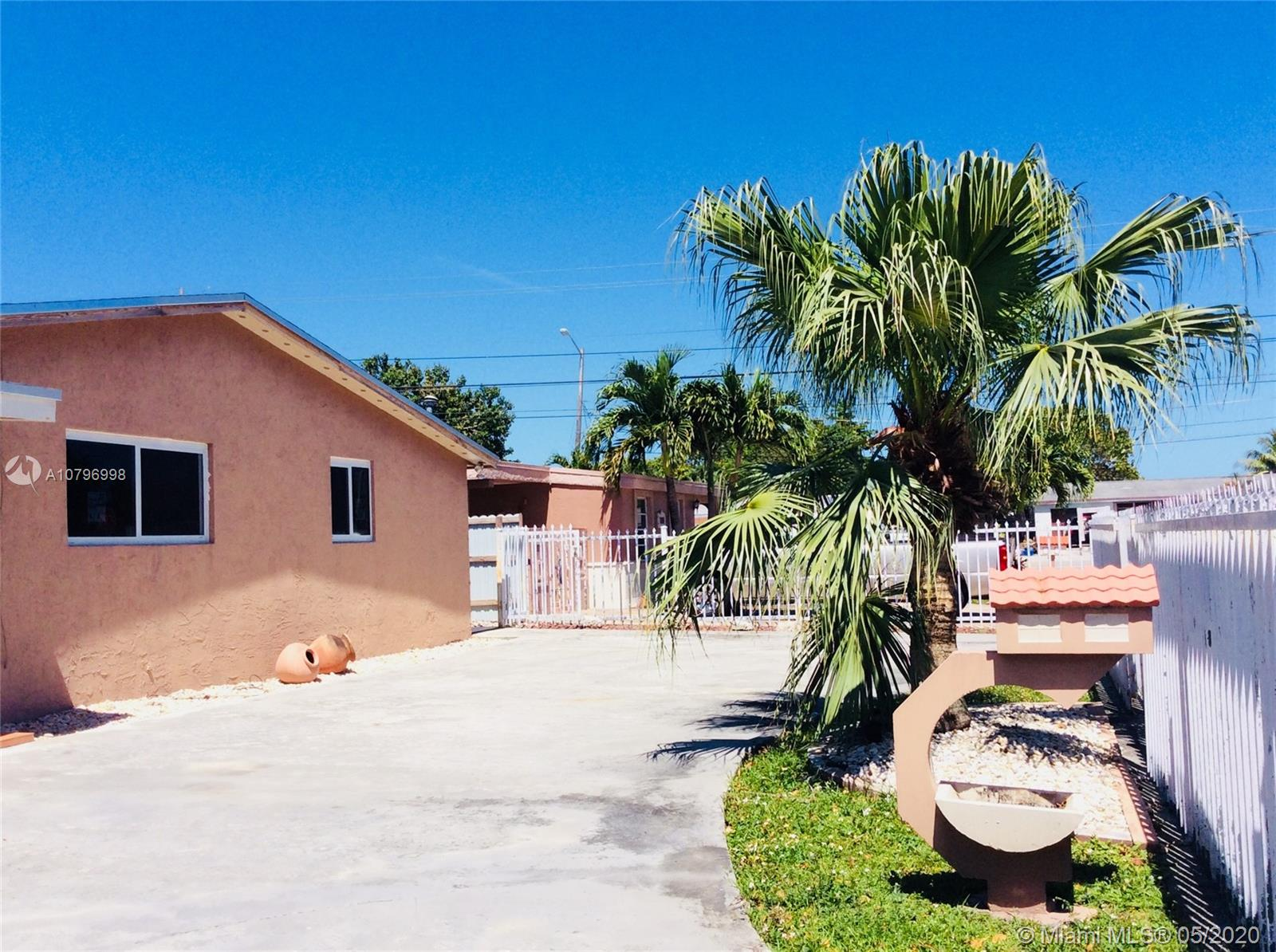 1211 W 62nd St  For Sale A10796998, FL