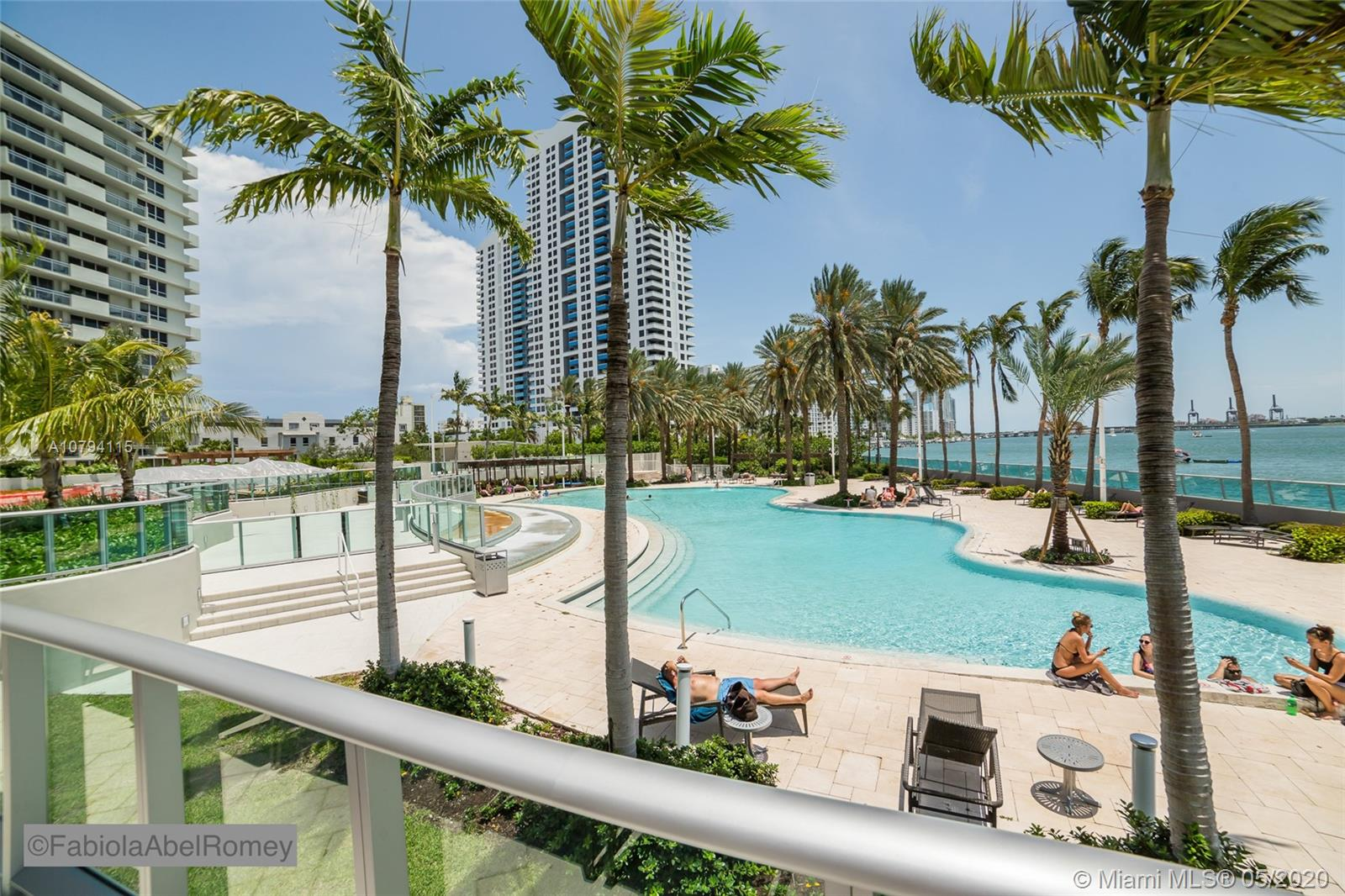 1500  Bay Rd #956S For Sale A10794115, FL