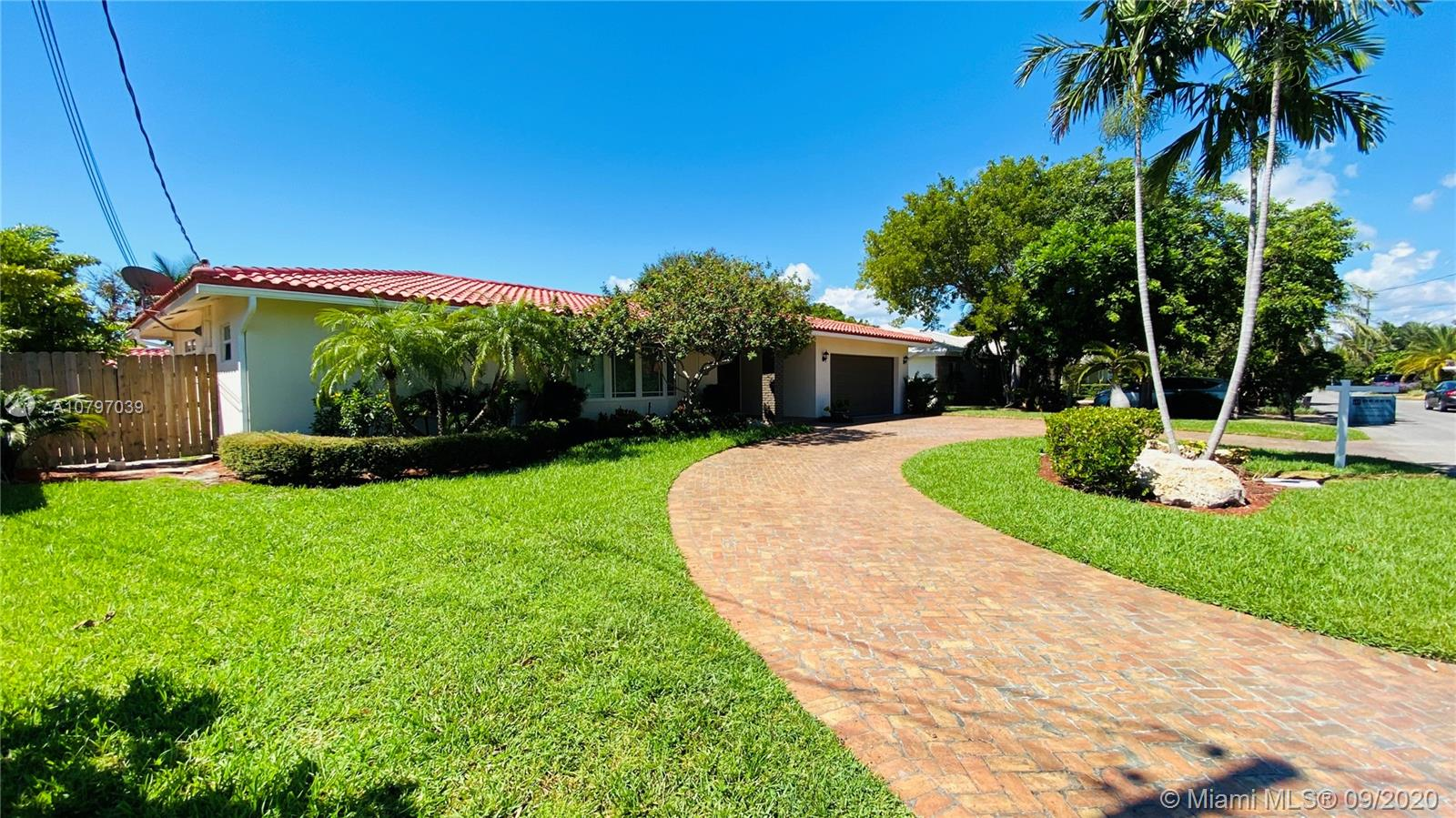 14  Castle Harbor Is  For Sale A10797039, FL