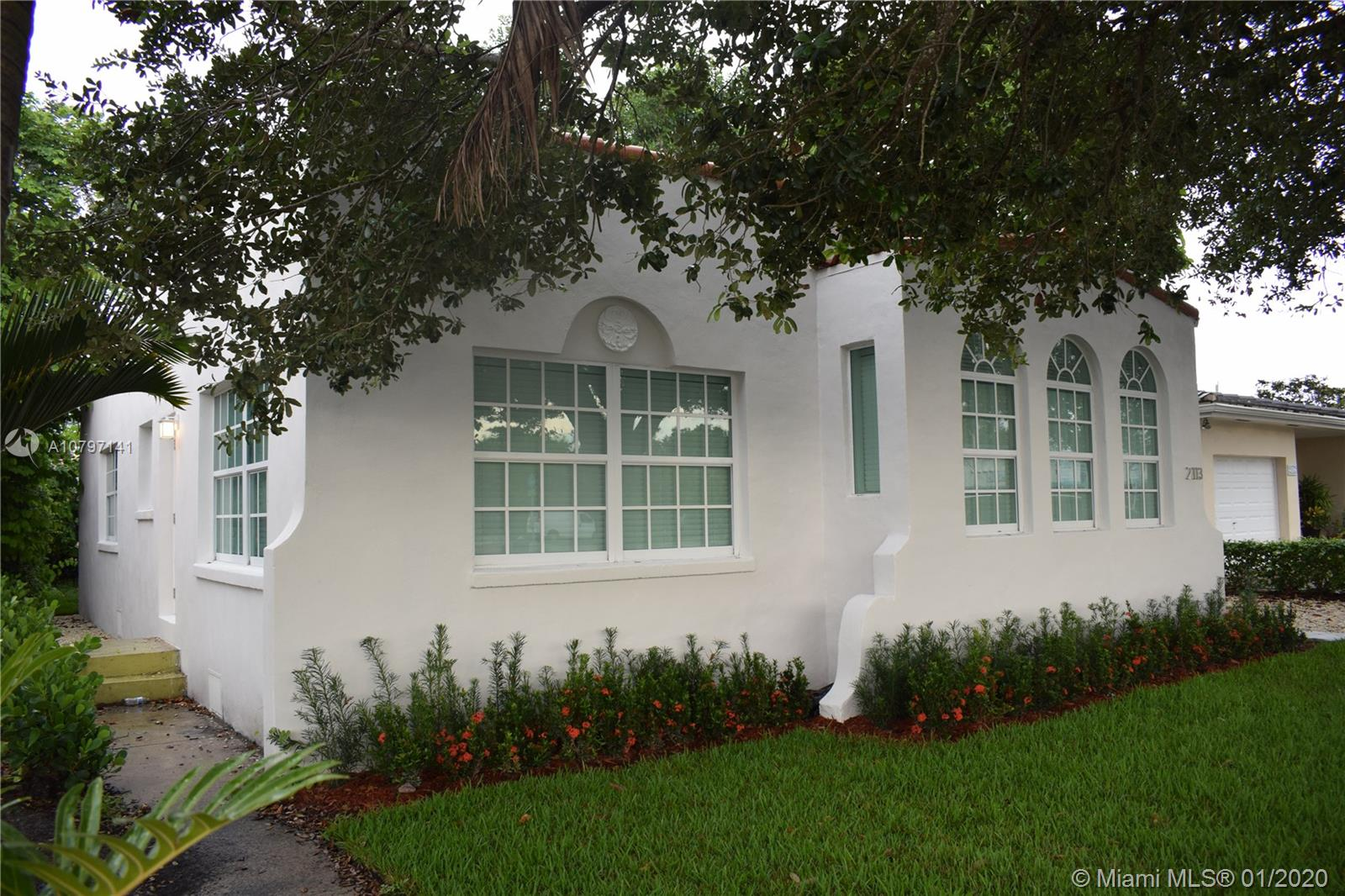 2113 SW 57th Ave  For Sale A10797141, FL