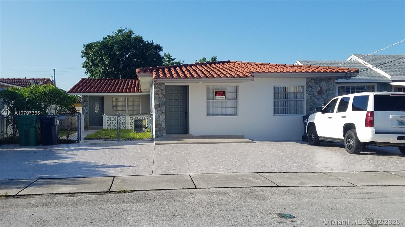 7418 SW 21st St #Rear For Sale A10797365, FL