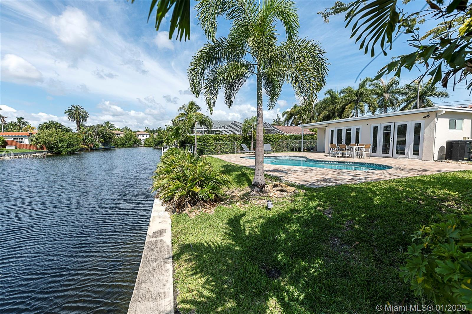 1162  Hayes St  For Sale A10797391, FL