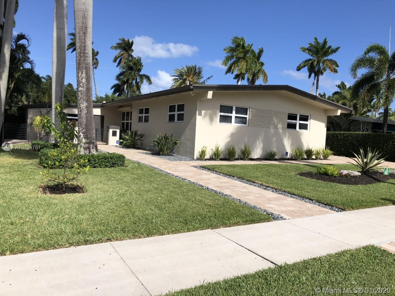 943  Harrison St  For Sale A10794761, FL