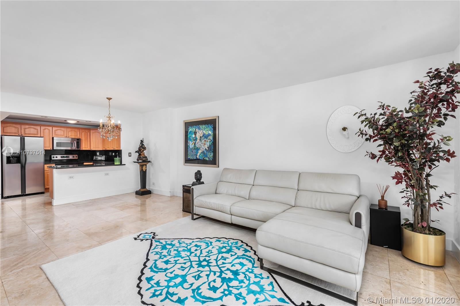 2301  Collins Ave #834 For Sale A10797514, FL