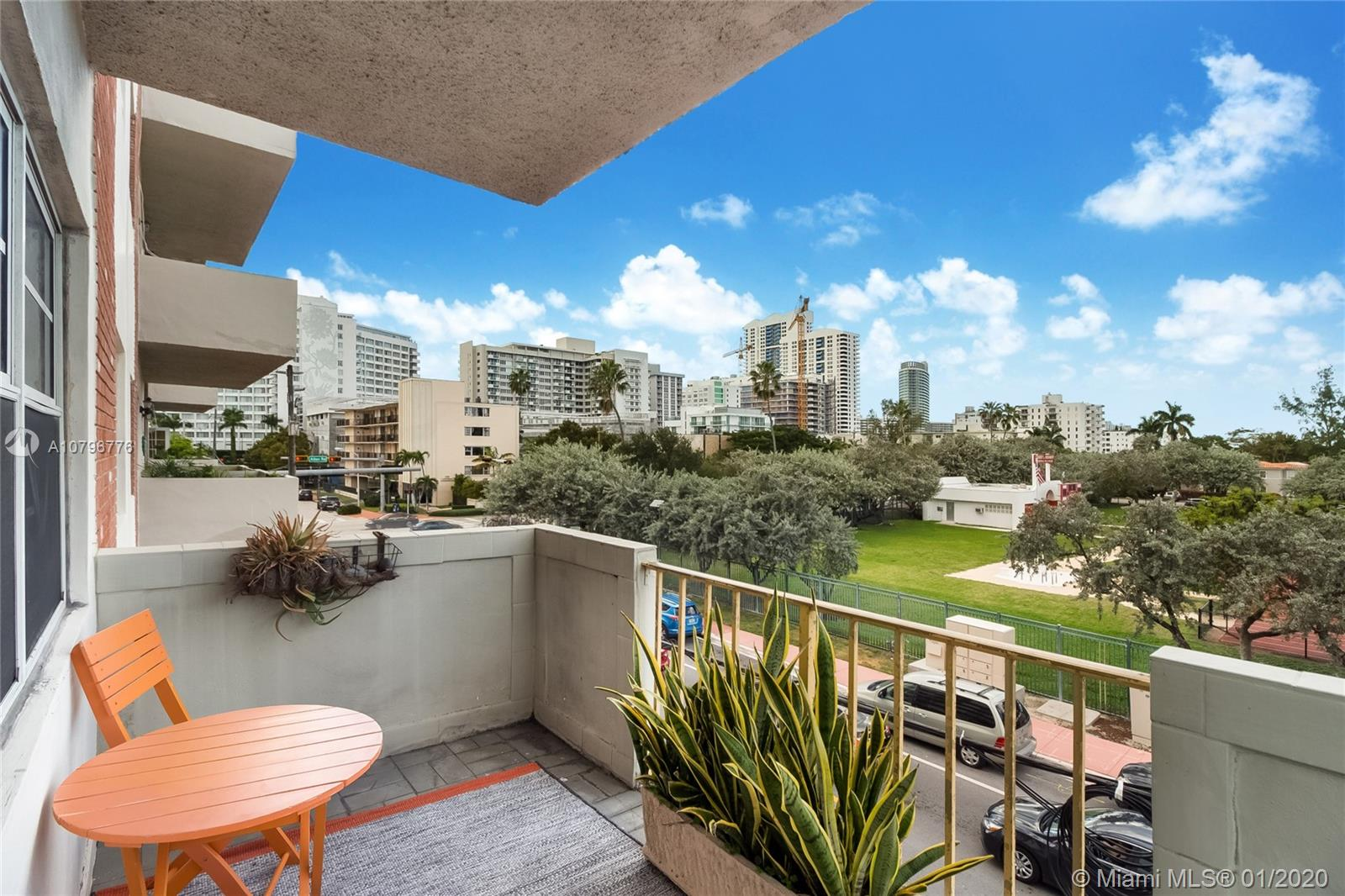 1130  11th St #3F For Sale A10796776, FL