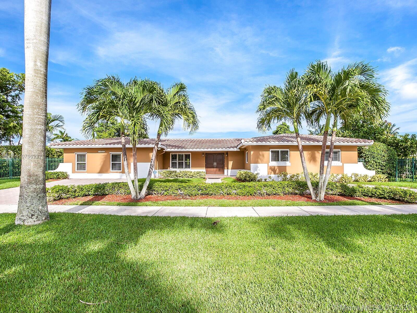 11805 SW 107th Ave  For Sale A10796232, FL