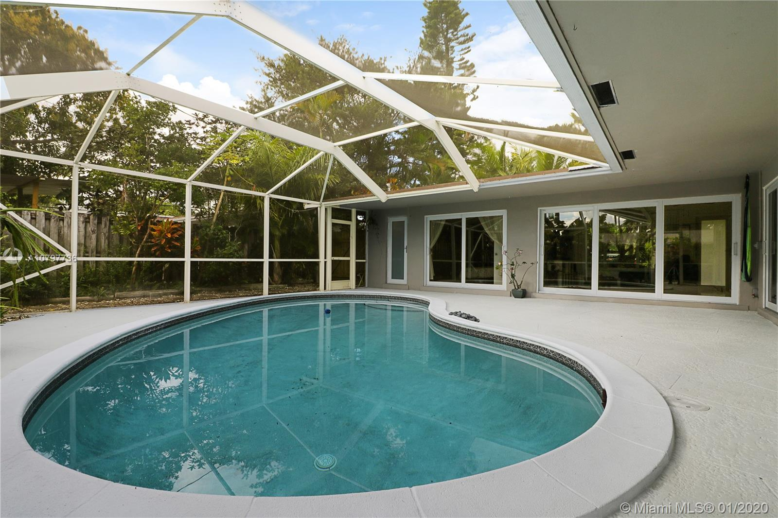 2020 NW 33rd St, Oakland Park, FL 33309